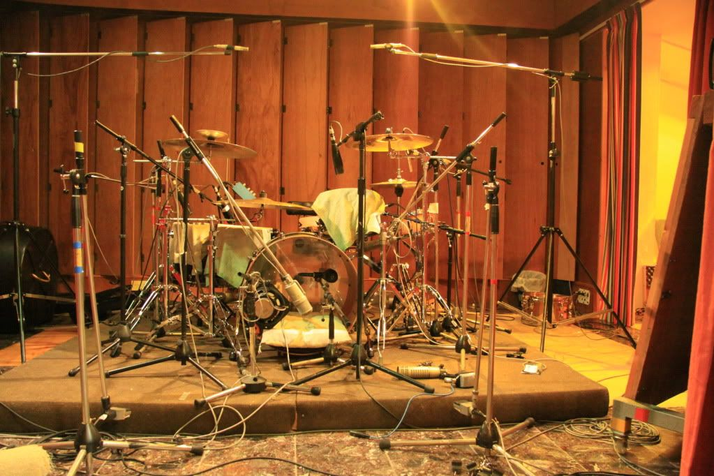 pictures of mic 39 ed up drum kits in the studio page 82 gearslutz pro audio community. Black Bedroom Furniture Sets. Home Design Ideas